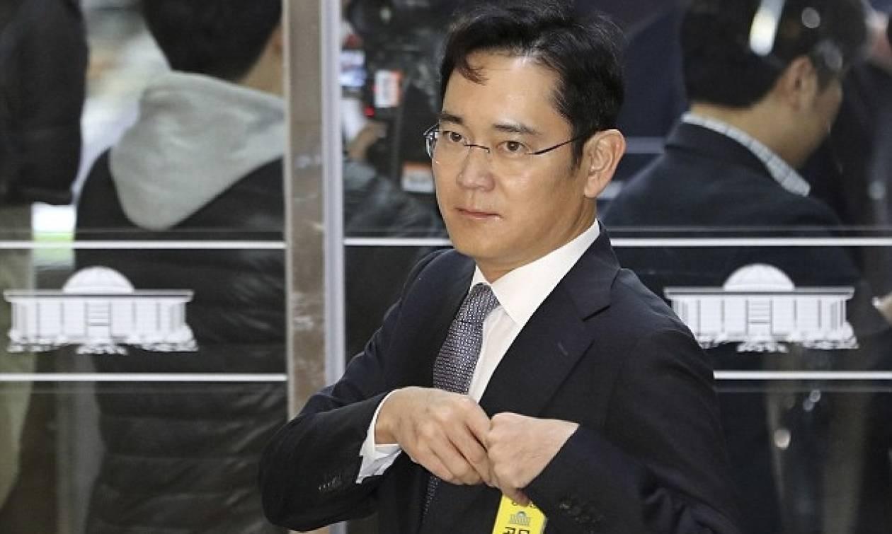 Προφυλακίστηκε ο επικεφαλής της Samsung