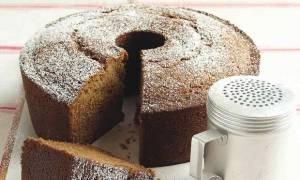 Cake Fever: Φτιάξε σήμερα το πιο νόστιμο και γευστικό κέικ με σάλτσα μήλου