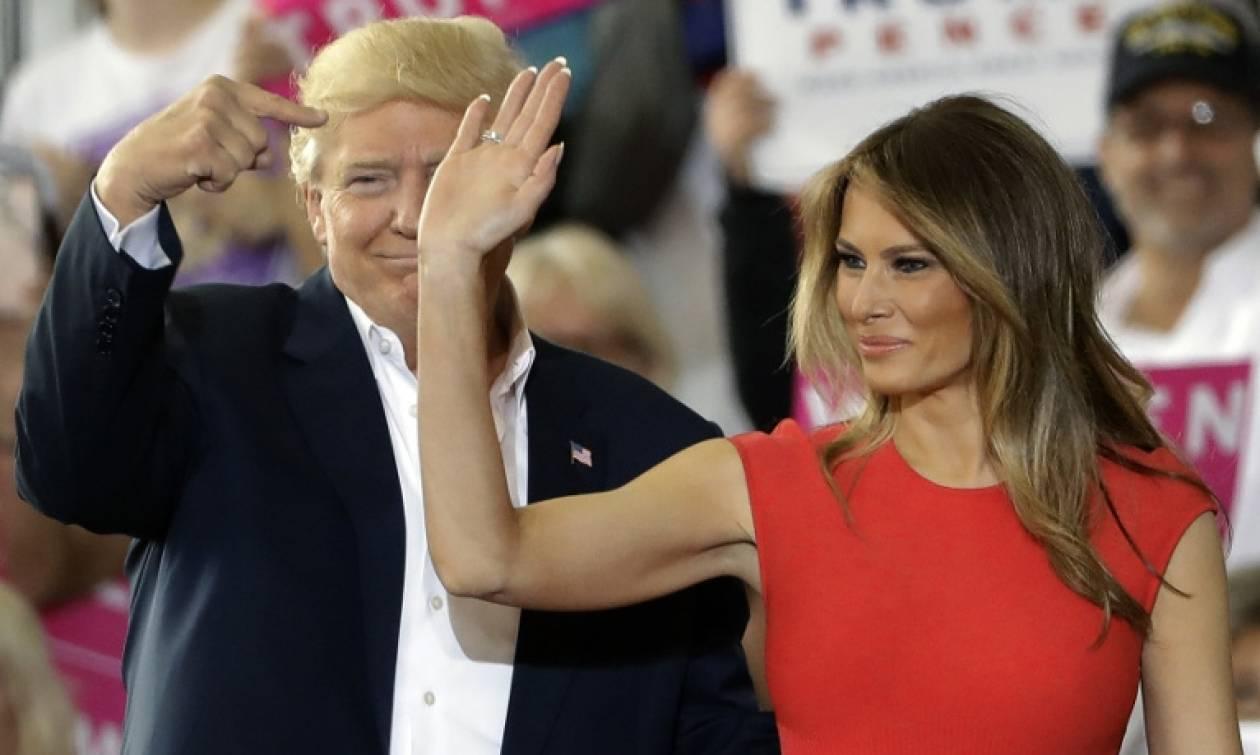 «Φωτιά» στα κόκκινα η Μελάνια Τραμπ – Τι έκανε στη Φλόριντα και έριξε το διαδίκτυο (video)