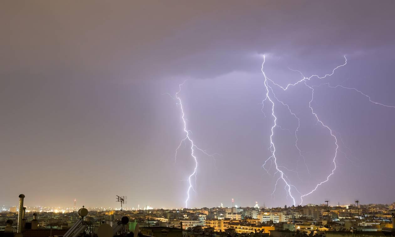 Έκτακτο δελτίο επιδείνωσης καιρού - Πού θα βρέχει καταρρακτωδώς τις επόμενες ώρες
