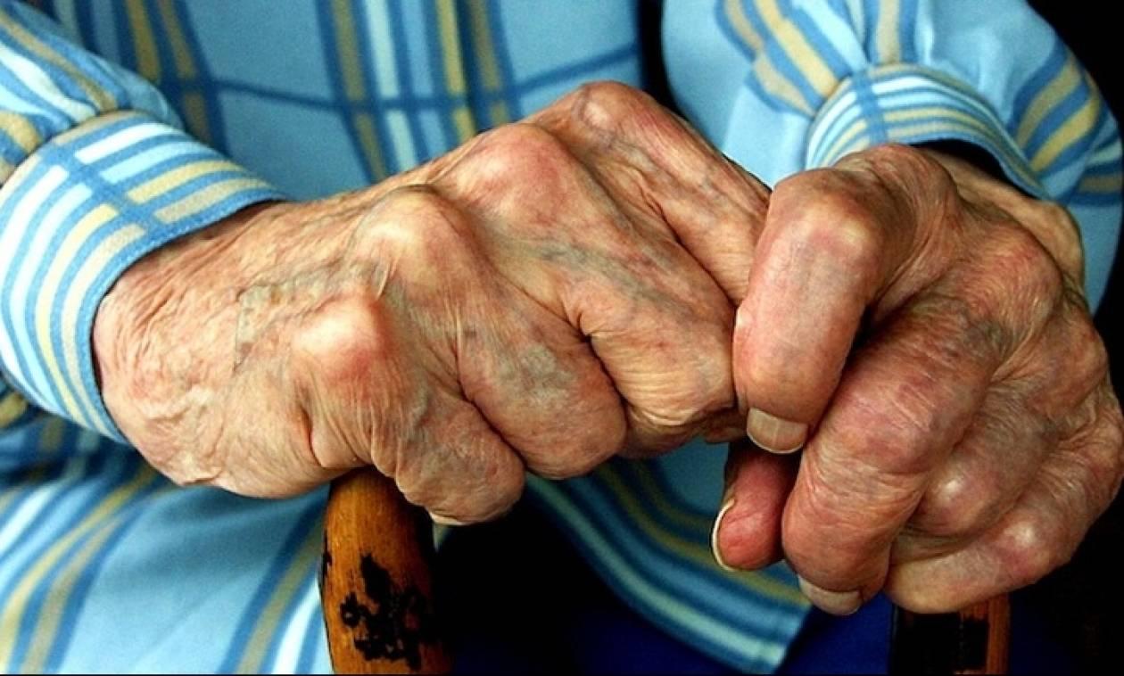 Πάτρα: Θύμα άγριου ξυλοδαρμού 90χρονος για 50 ευρώ!