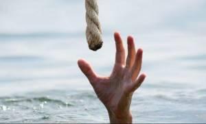 Ηράκλειο: Ψαράς έσωσε νεαρή που πάλευε με τα κύματα!