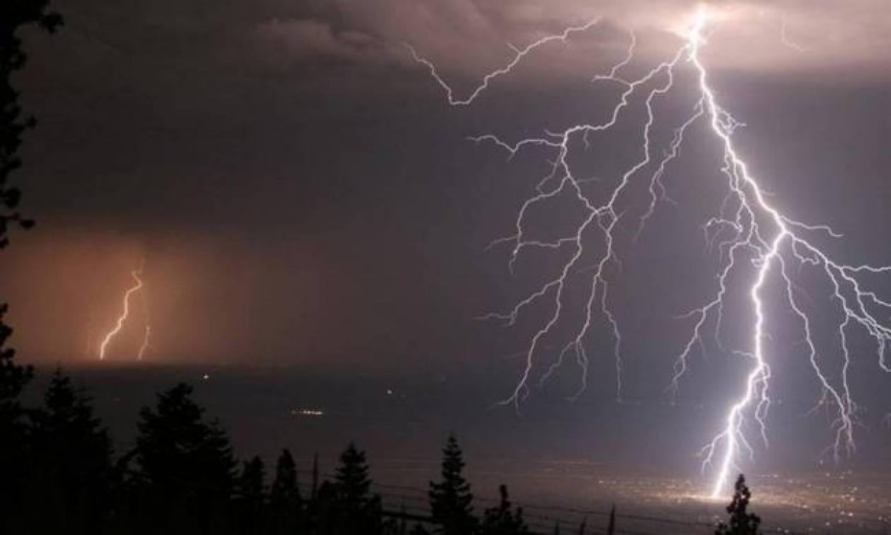 Η ΕΜΥ προειδοποιεί: Έκτακτο δελτίο επιδείνωσης καιρού- Πού θα «χτυπήσει» η κακοκαιρία τη Δευτέρα