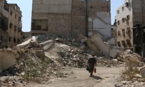 Συρία: Εντείνονται οι βομβαρδισμοί του στρατού κοντά στη Δαμασκό ενόψει Γενεύης