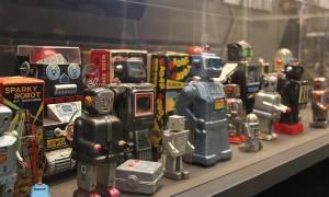 «Hello, Robot», μια εξαιρετικά πρωτότυπη έκθεση για τα ρομπότ (pics)