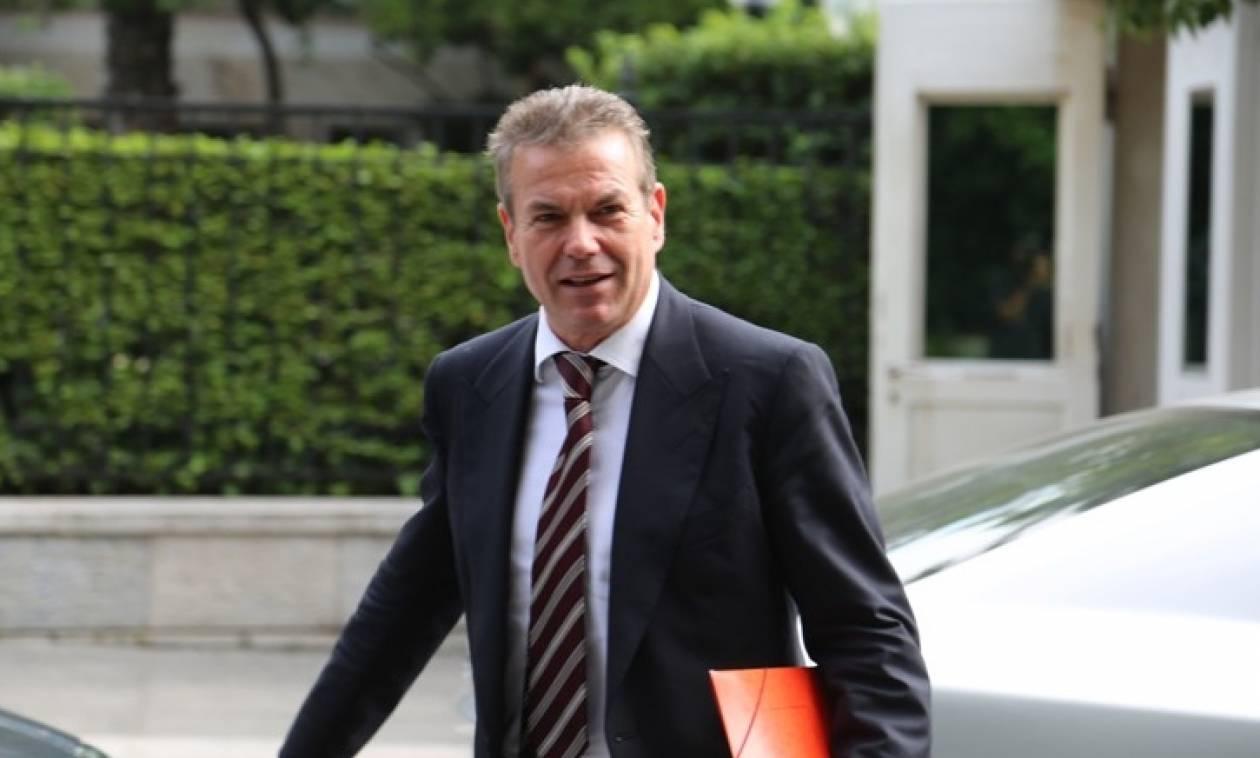 Ο κόσμος «αποθεώνει» τον Πετρόπουλο για τις αυξήσεις στις εισφορές (vid)