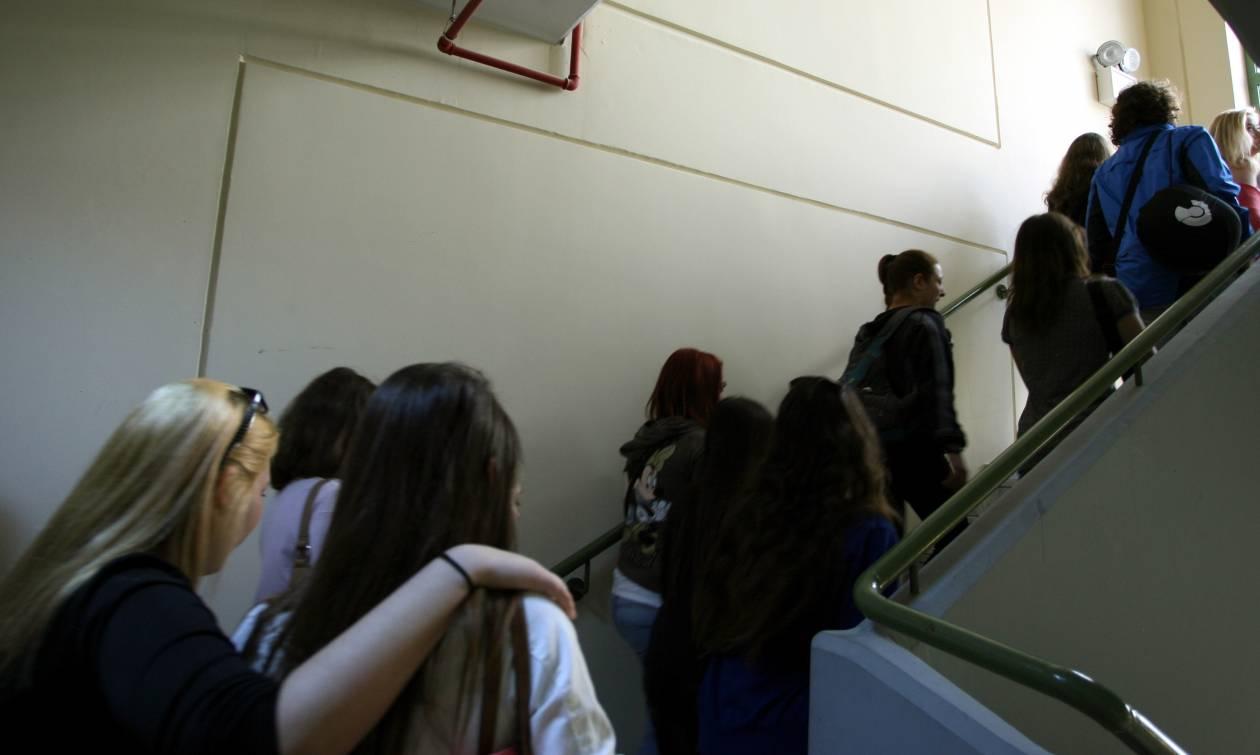 Σοκ στη Μυτιλήνη: Διευθυντής κατηγορείται ότι συγκάλυπτε σεξουαλική παρενόχληση μέσα στο σχολείο του