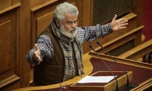 Επιμένει στο αντάρτικο ο Μανιός: Δεν ψηφίζω μειώσεις συντάξεων και αφορολόγητου