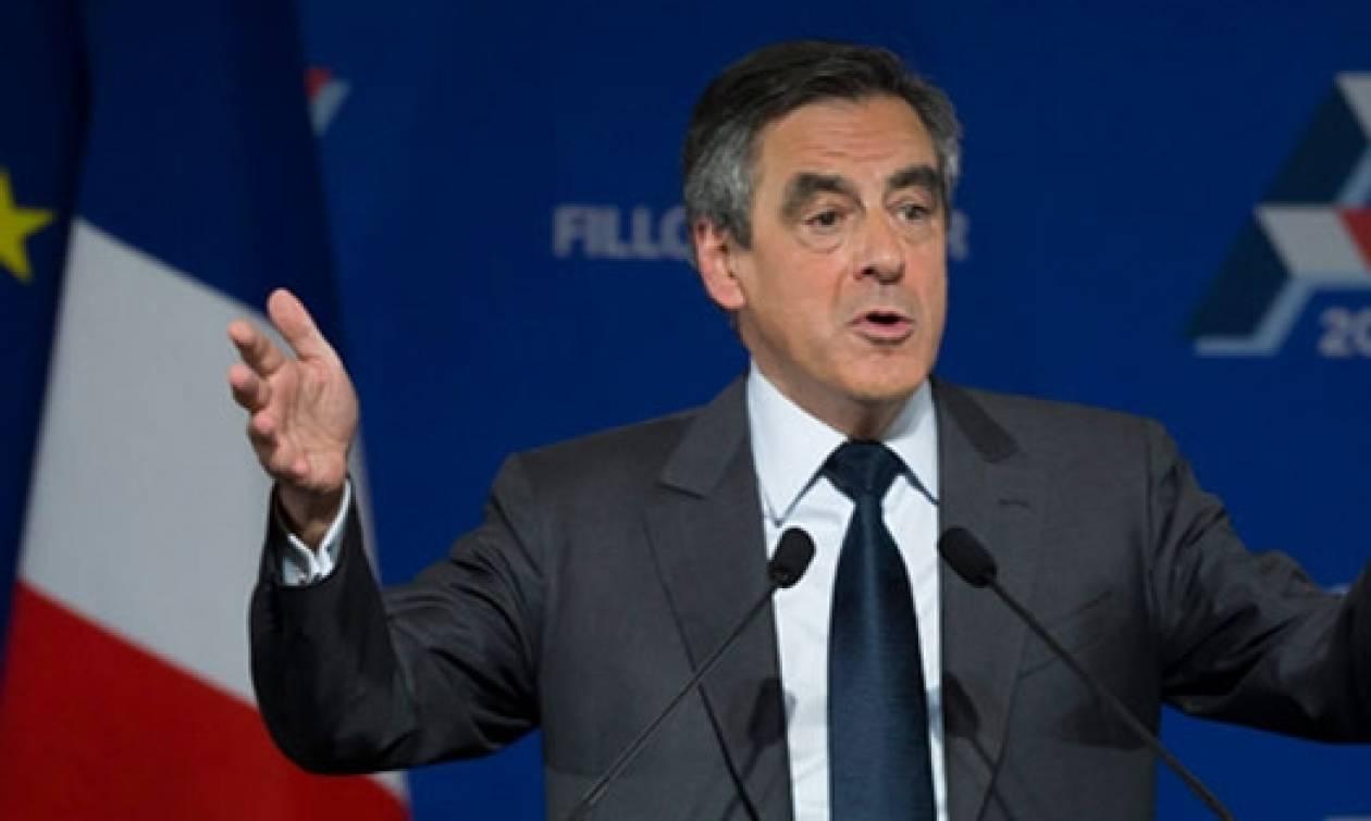 Δημοσκόπηση-Γαλλία: Ο Φρανσουά Φιγιόν ανέκτησε το προβάδισμα έναντι του Εμανουέλ Μακρόν