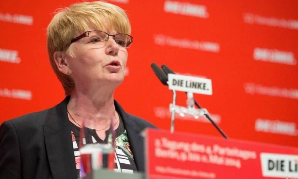 To Die Linke αδειάζει την «κόκκινη Σάρα» για τα περί Grexit