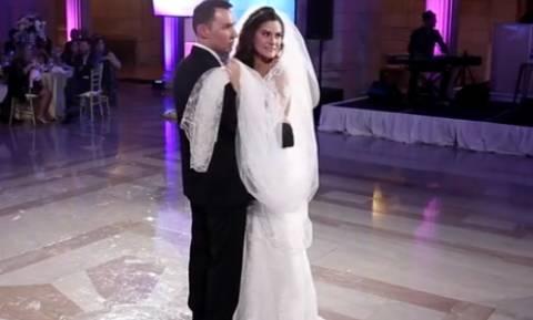 Ο χορός της νύφης πήγε χάλια, αλλά περιμένετε να δείτε και τη συνέχεια (video)