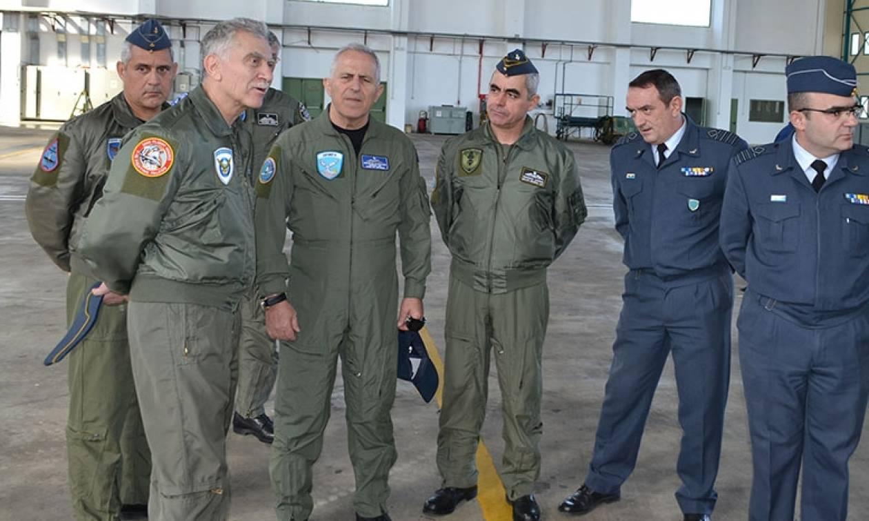Στην «120 ΠΕΑ» οι Αρχηγοί ΓΕΕΘΑ & ΓΕΑ!...Πέταξαν με Τ-6Α Texan! (pics)
