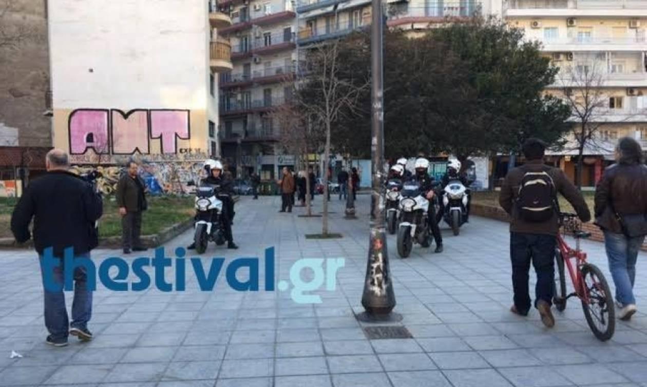Θεσσαλονίκη: Μεγάλη αστυνομική επιχείρηση στη Ροτόντα για τη διακίνηση ναρκωτικών (vids)