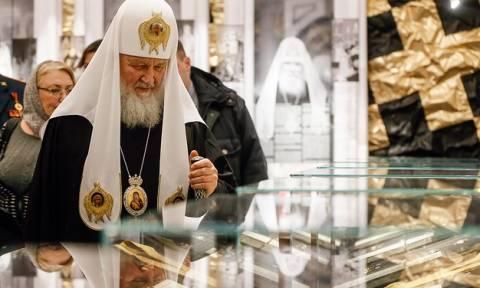 Мединский и патриарх Кирилл открыли выставку церковных наград в Москве