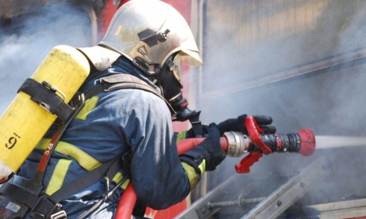 Φωτιά σε διαμέρισμα στη Θεσσαλονίκη – Στο νοσοκομείο δύο άτομα