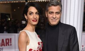 Έχει φουσκώσει υπερβολικά: Δες την Amal Clooney με στενό φόρεμα!