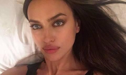 Η γυμνή αλήθεια της Irina Shayk: Δες τη φωτογραφία της στο Instagram με τη φουσκωμένη κοιλίτσα