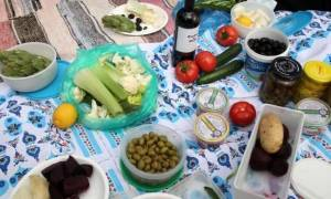 Καθαρά Δευτέρα 2017: Ανεβασμένες οι τιμές πολλών προϊόντων στην Κύπρο