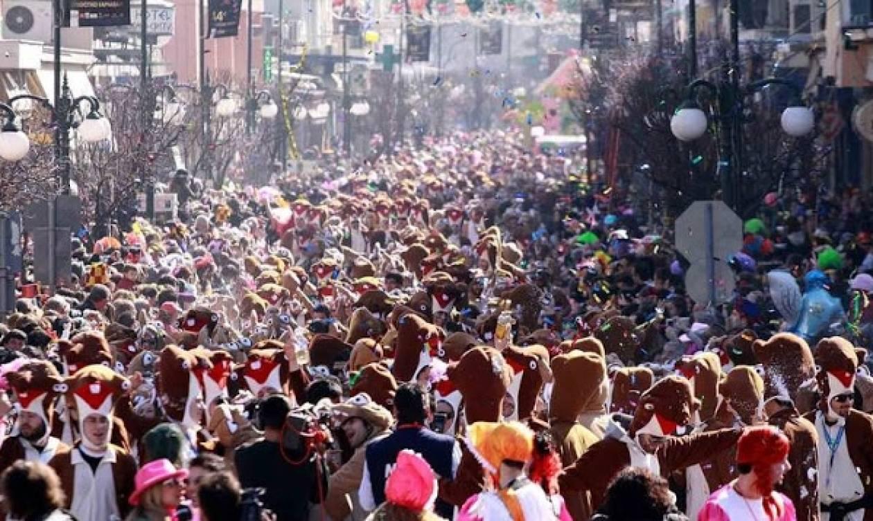 Καρναβάλι Ξάνθης: Χιλιάδες καρναβαλιστές και επισκέπτες «πλημμύρισαν» την πόλη