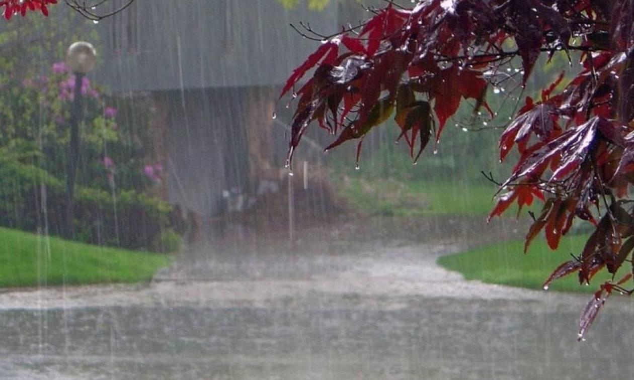 Καιρός – Η ΕΜΥ προειδοποιεί: Έρχονται (ξανά) βροχές, καταιγίδες και χιόνια