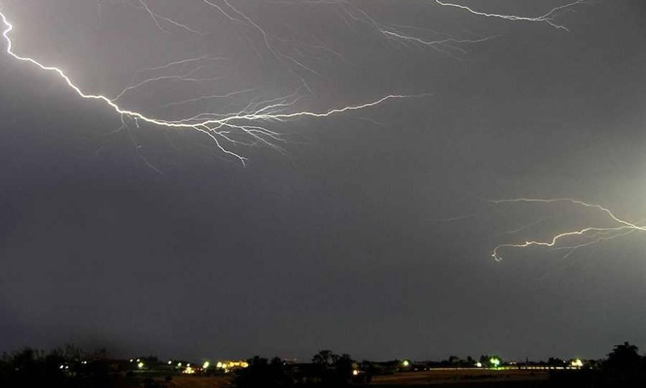 Αλλάζει ο καιρός: Η ΕΜΥ προειδοποιεί -  Έρχονται βροχές, καταιγίδες και χιόνια