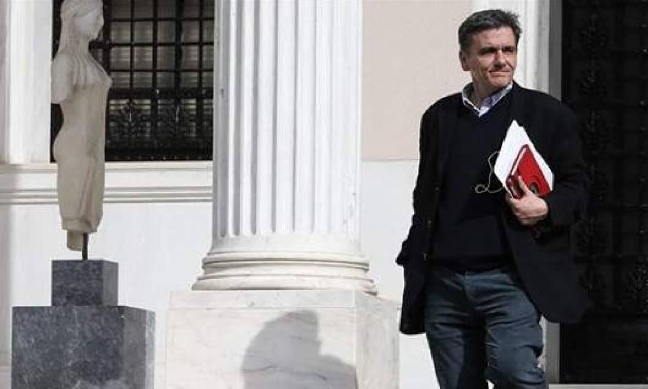 Ο Τσακαλώτος ενημερώνει τη Βουλή για το Eurogroup