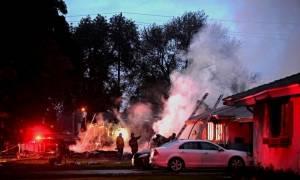 ΗΠΑ: Τρεις νεκροί και δύο τραυματίες μετά τη συντριβή αεροσκάφους στην Καλιφόρνια (pics+vid)
