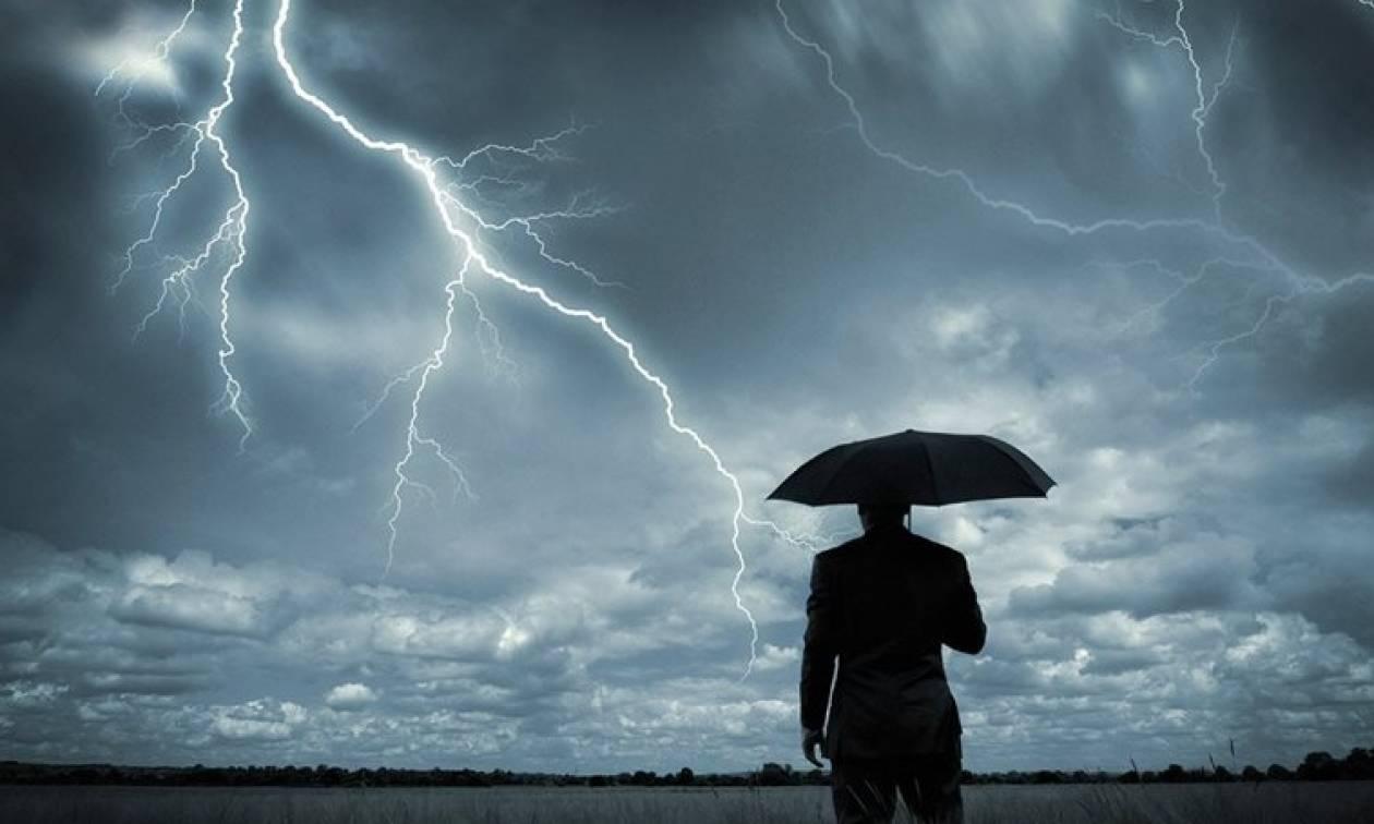 Ραγδαία επιδείνωση του καιρού με βροχές, καταιγίδες και πτώση της θερμοκρασίας