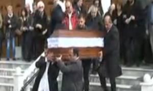 Δυστύχημα Πόρσε: Θρήνος στις κηδείες της 33χρονης Αποστολίας και του 3χρονου Παύλου