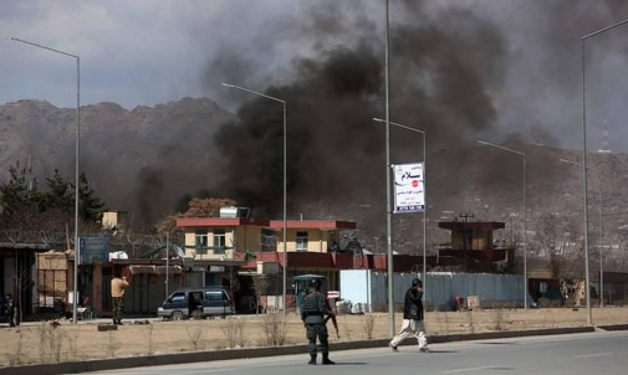 Αφγανιστάν: Τουλάχιστον 16 νεκροί και εκατοντάδες τραυματίες από διπλή επίθεση αυτοκτονίας