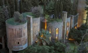 Viral: Αρχιτέκτονας μετατρέπει εργοστάσιο τσιμέντου στο πιο εντυπωσιακό σπίτι που έχετε δει (Pics)