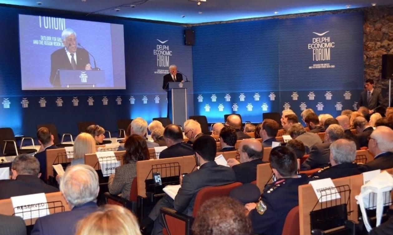 «Κεραυνοί» Παυλόπουλου για ESM και Eurogroup - «Ύμνοι» προς το πρόσωπό του από Μάριο Μόντι