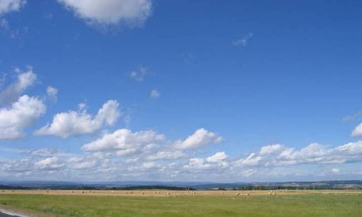 Καιρός σήμερα: Ανοιξιάτικος ο καιρός της Παρασκευής με μικρή άνοδο της θερμοκρασίας (pics)