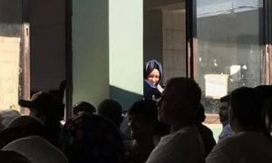 Σχιστό: Με ξεναγό τον Μουζάλα η κόρη του Τούρκου Πρωθυπουργού επιθεώρησε κέντρο φιλοξενίας