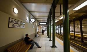 Άγνωστοι κατέστρεψαν ακυρωτικά μηχανήματα στο σταθμό του Ηλεκτρικού στο Μοναστηράκι