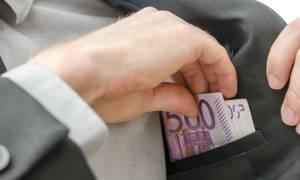 Σκάνδαλο μεγατόνων: Ο κόσμος στενάζει κι αυτοί «φέσωσαν» με 700.000 ευρώ τη Βουλή!