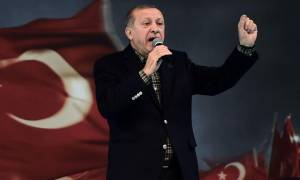 Ο Ερντογάν κατάφερε να ξεσηκώσει τη Γερμανία εναντίον του: «Εντελώς απαράδεκτες» οι δηλώσεις του