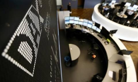 Τριγμοί στο γερμανικό χρηματιστήριο από την Deutsche Bank