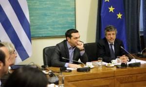 Τσίπρας: Η Δημοκρατία δεν κινδυνεύει από τους πολίτες