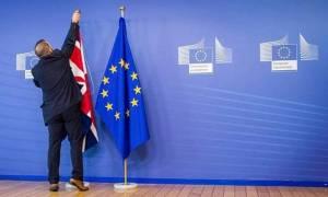 «Χαστούκι» στην Τερέζα Μέι: Νέα εμπλοκή για το Brexit