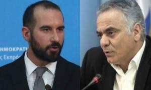 «Οπερέτα» της κυβέρνησης για τα αντίμετρα: Άλλα λέει ο Σκουρλέτης κι άλλα ο Τζανακόπουλος
