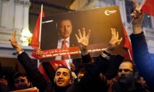 Τραβάει στα άκρα το σχοινί ο Ερντογάν: Νέα απειλητικά μηνύματα προς την Ολλανδία
