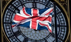 Ιστορική στιγμή για τη Βρετανία: Εγκρίθηκε το νομοσχέδιο με το οποίο ξεκινά το Brexit
