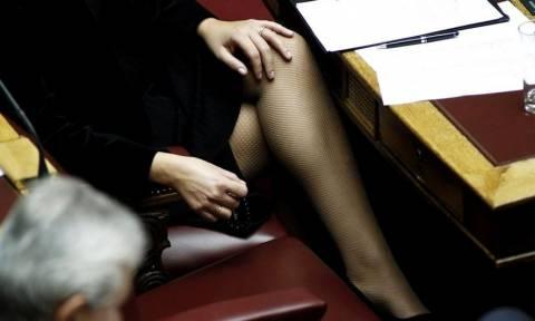 Η σέξι Ελληνίδα πολιτικός με μαγιό και όχι μόνο!