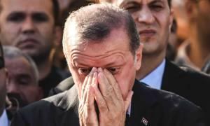 Η Γερμανία καταγγέλλει: Ο Ερντογάν το «παίζει» θύμα για να κερδίσει το δημοψήφισμα