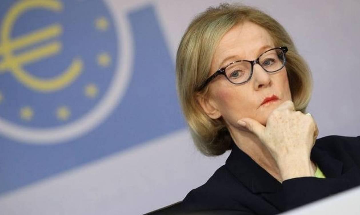 EKT: Να μειωθούν τα «κόκκινα δάνεια» των ελληνικών τραπεζών