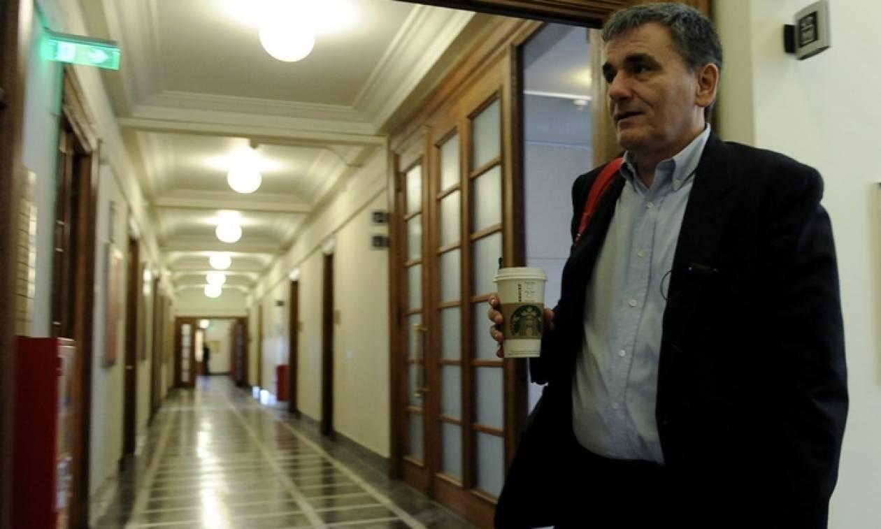 Τσακαλώτος: Μας πιέζουν για αφορολόγητο στις 6.000 ευρώ - Αντιδράσεις από τον ΣΥΡΙΖΑ