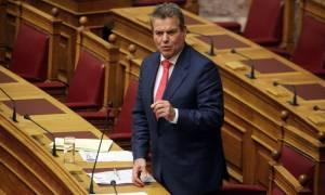 Ο Πετρόπουλος βαφτίζει ως «βελτιώσεις» τις μειώσεις των συντάξεων