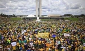 Βραζιλία: Χιλιάδες διαδήλωσαν εναντίον των κυβερνητικών σχεδίων μείωσης συντάξεων κι επιδομάτων