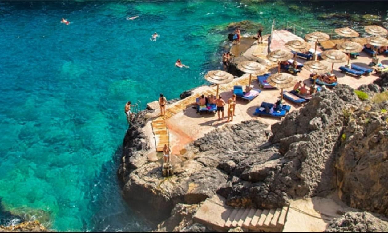 Το βίντεο που θα σε γυρίσει στις ωραιότερες παραλίες της Κρήτης μέσα σε 3 λεπτά!